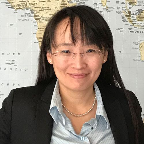 Bild von Mitarbeiterin bei Sprachschule Dr. Lukes Stuttgart, Ning Huang